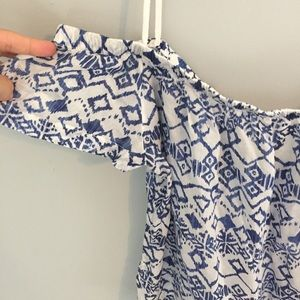 2c5538312d3a19 Anthropologie Tops - Cloth   Stone Anthro Charleston Off Shoulder Top